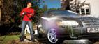 Rengøring af bilen med Nilfisk Click&Clean autodyse