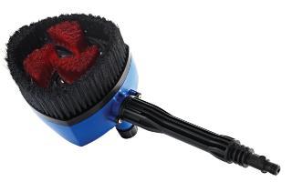 Multibürste mit Reinigungsmitteltank und Fahrzeug-Bürsteneinsatz